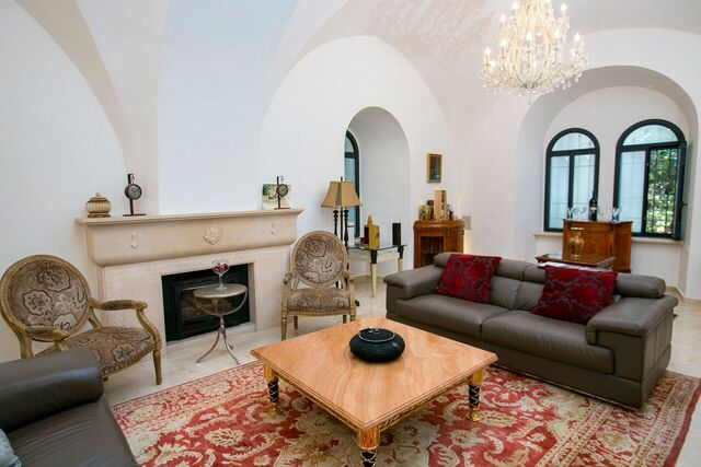 For rent, Jerusalem, Mamilla, Very luxurious villa of 6 rooms with garden