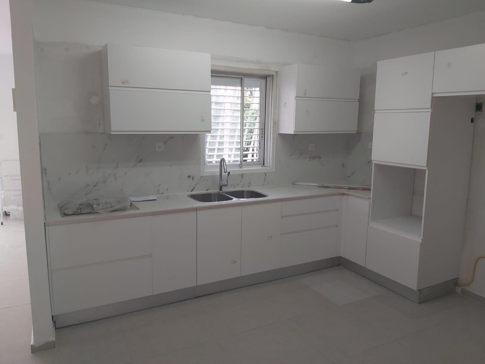 For sale, Tel Aviv, Neve Eliezer, 4 rooms, balcony, storage, parking